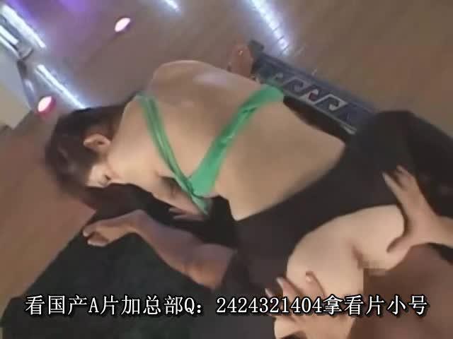 【SHIHO】ナイスバディのお姉さんのデニムを切って、アソコを丸出しにしてファック